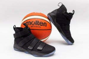Кроссовки Nike Lebron XI soldier